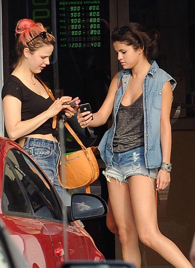 Selena sere serpe - 47