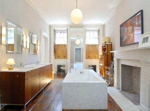 Burası da Hollywood'un ünlü bir yıldızının eşi ve çocuklarıyla yaşadığı malikanenin banyosu.