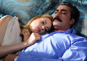 Daha ilk bölümüyle milyonlara ekrana bağlayan diziden bölüm başına 5 bin lira alıyordu.