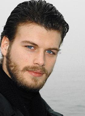 Kıvanç Tatlıtuğ, önceki sezon rol aldığı Aşk- ı Memnu dizisinden ölüm başına 30 bin lira kazanıyordu.