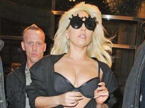 Lady Gaga birinci