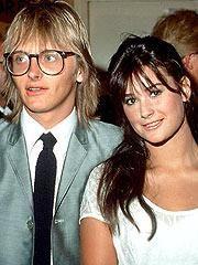 Demetria Gene Guynes yani bugün tanıdığımız adıyla Demi Moore soyadını ilk kocası Freddy Moore'dan alıyor.