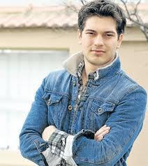 Çağatay Ulusoy, Türkiye'nin taçlı yakışıklılarından biri.