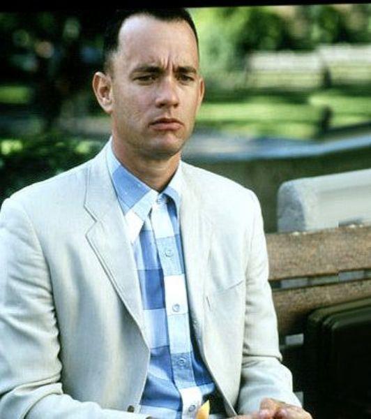 Tom Hanks'in canlandırdığı Forrest Gump isimli karakter, Tom Hanks'in zihinsel özürlüyü oynayarak ateşten gömleği giydiği film karakteridir...