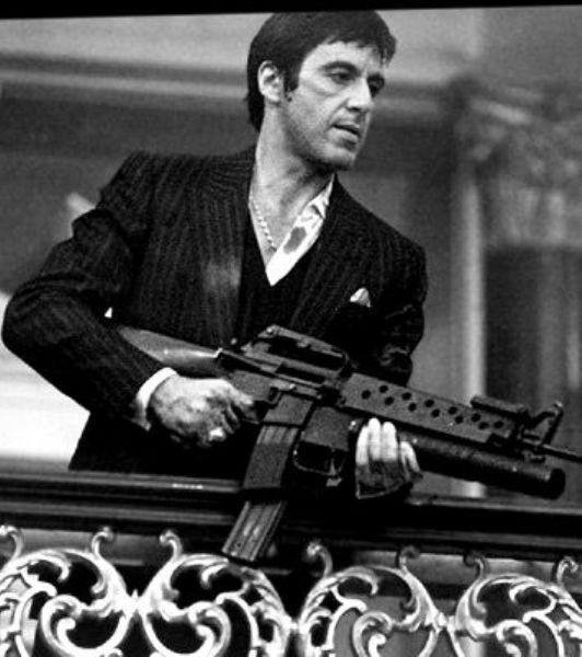 Tony Montana Scarface filminde, Al Pacino'nun canlandırdığı acımasız gangster Tony Montana karakteri gerçekten de sinema tarihinin en unutulmazlarından...