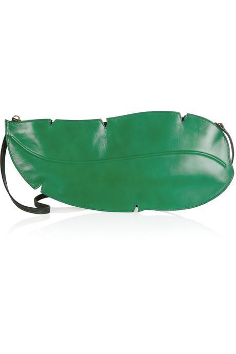 Yaprak şeklinde el çantası, Charlotte Olympia.
