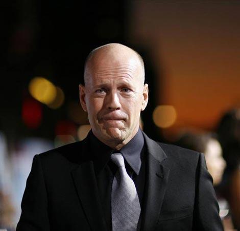 Bruce Willis Ünlü aktör, BruceWillis aynı zamanda bir müzisyen. 'Respect Yourself' adlı albümü 1987 Ocak ayında 5 numaraya kadar yükseldi...