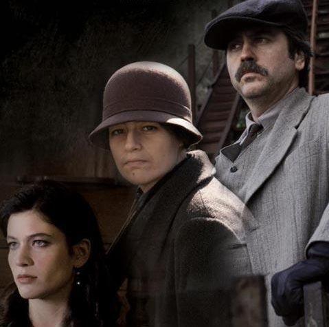 Nergis Öztürk de yine bir Zeki Demirkubuz filmi olan Kıskanmak'taki rolü için çirkinleşmişti.