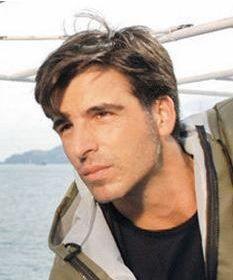Mehmet Akif Alakurt da Reis adlı dizi için saçlarını uzatmıştı.