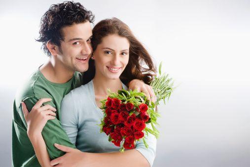 2- Kadınlar için çiçek, beğenilmek ve önemsenmek anlamına gelir. Kendini iyi hisseden kadın size kendinizi iyi hissettirecektir, özellikle yatakta.