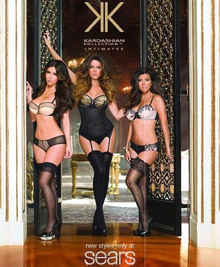 65 milyon dolarlık servete sahip Kardashian kardeşler iç çamaşırı kreasyonlarını tanıtmak için objektif karşısına geçti.