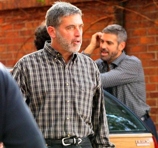 """Ünlü oyuncu George Clooney """"Aramızda Casus Var"""" filminde dublör kullandı."""