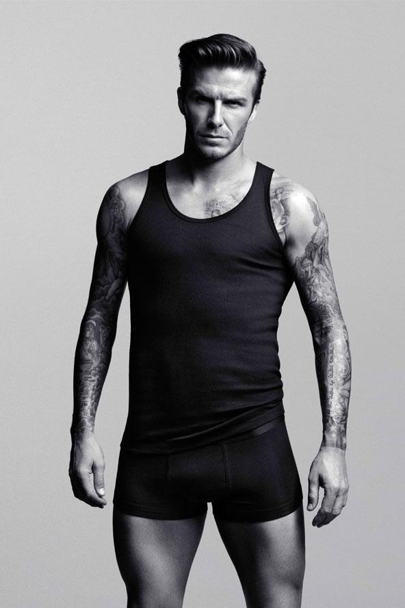 Seksi futbolcu David Beckham H&M Bodywear ürünlerini tanıtıyorç