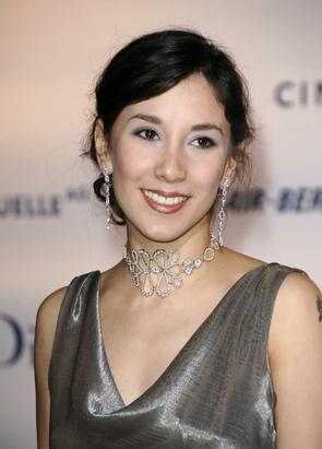 Rol aldığı ''Duvara Karşı'' filmiyle ödül almasıyla yıldızı birden parlayan oyuncu Sibel Kekilli'nin de geçmişinde porno filmlerde oynadığı ortaya çıkmıştı.