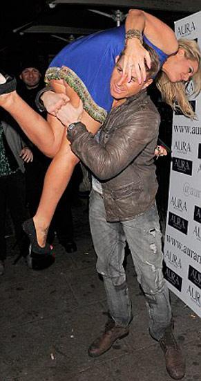Big Fat Gypsy Weddings'in yıldızı Danielle Mason, Londra gecelerinde eğlenmeyi planlarken başına geleceklerden habersizdi.