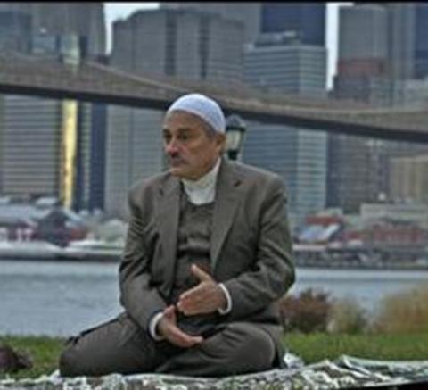 Bir çok sinema filminde rol alan Bilginer, son olarak New York'ta Beş Minare için kamera karşısına geçti.