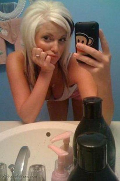 Aynaya bakmayı seven kızlar - 28