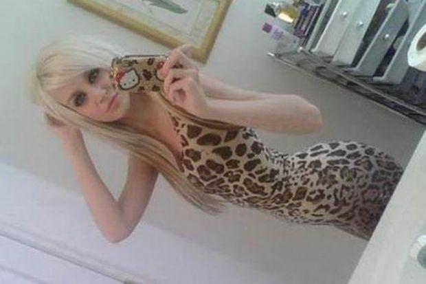 Aynaya bakmayı seven kızlar - 34