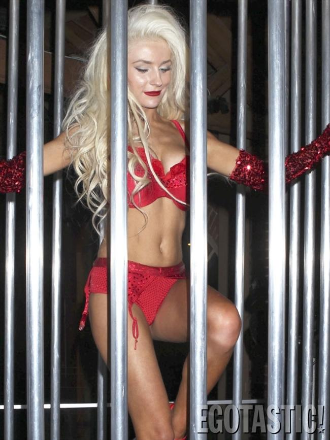 Courtney Stodden - 100