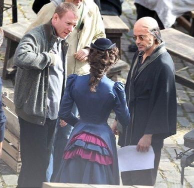 Hollywood'un ünlü aktörlerinden Colin Farrell, Horrible Bosses adlı yeni filminde canlandırdığı Bobby Pellitt karakteri için dış görünüşünü tümüyle değiştirdi.