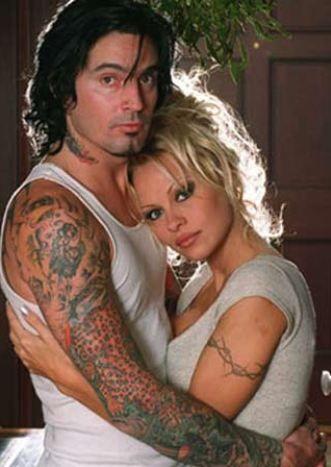 Pamela Anderson   1996'da evlendiği eski eşi Tommy Lee ile balayına giden oyuncu Pamela Anderson, fantazi amacıyla ilişkilerini kameraya çekmişti.