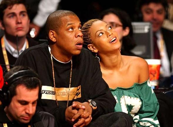 Beyonce Birkaç yıl önce onun da sevgilisi Jay-Z ile olan sevişme görüntüleri olduğu söylendi. İddiaya göre Las Vegas'ta bir otelde kalan çift, otel çalışanları tarafından odalarına konulan kamerayla görüntülendi.