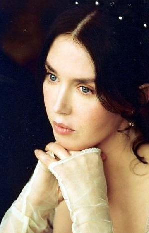 Isabelle Adjani, Fransız sinemasının porselen güzelliğine sahip yıldızıydı.