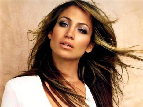 16 Jennifer Lopez