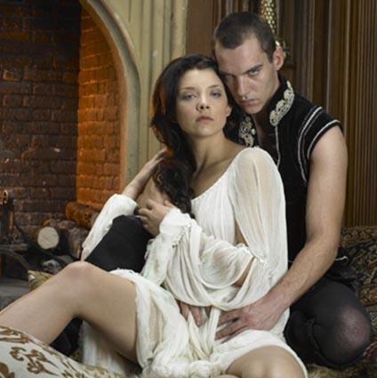 The Tudors da hem çok izlenmiş hem de çok eleştirilmişti.