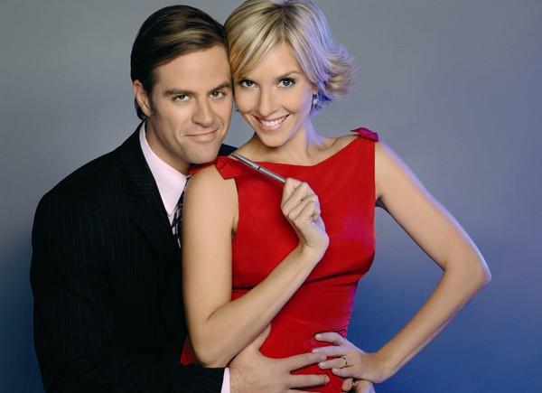 Mükemel Çift, Exitosos Pells adlı Arjantin yapımı dizinin uyarlamasıydı. Dizi Arjantin'de 2008 ve 2009 yılları arasında yayınlanmıştı.