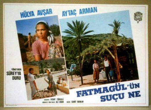 Filmde Hülya Avşar ile Aytaç Arman başrolleri paylaşıyordu.