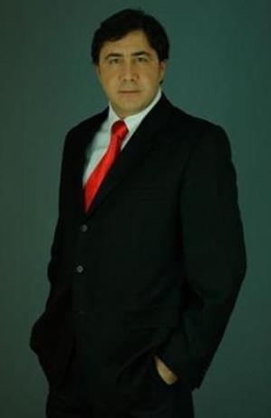 Yalan Dünya dizisiyle ekrana gelen Hakan Meriçliler deneyimli bir oyuncu.