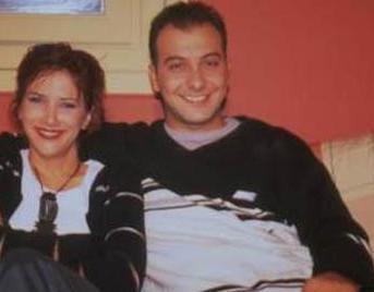 1990'larda ekranda dizilerle ilgili bir yarışma programı sunan Yılmaz sonra da Ayrılsak da Beraberiz'in de aralarında bulunduğu bir çok dizide rol aldı.
