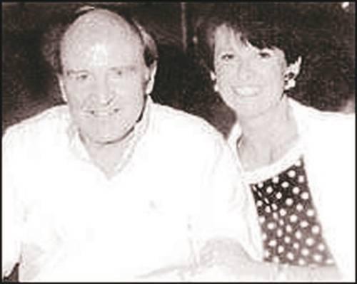 Jane Welch 350 milyon dolar  General Electric'in 21 yıllık başkanı Jack Welch, aldatıp boşandığı karısı Jane Welch'e 350 milyon dolar nafaka ödedi.