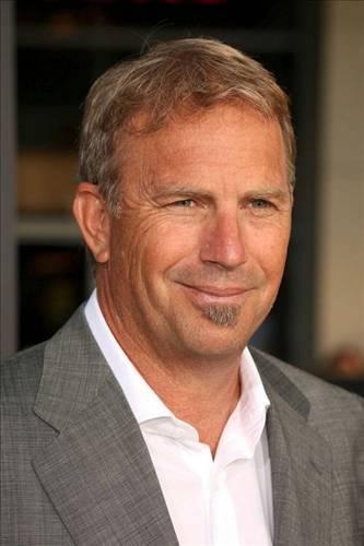 Cindy 80 milyon dolar  Yakışıklı aktör Kevin Costner 16 yıllık eşi Cindy'e 80 milyon dolar verdi.