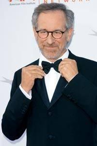 Amy Irving 100 milyon dolar  Ünlü yönetmen Steven Spielberg, oğlunun annesi oyuncu Amy Irving'e boşanma karşılığı 100 milyon dolar ödedi.