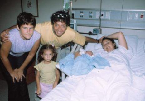 Burçin Orhon  Burçin Orhon-Süheyl Uygur çiftinin kızları Ayşe, Amerikan Hastanesi'nde dünyaya geldi. Süheyl ikinci kez baba olurken, Burçin ise 3. kez anne olmanın mutluluğunu yaşadı.