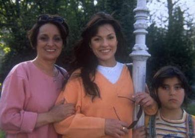 Şener başarısındaki en büyük payın annesi Ayhan Hanım'a ait olduğunu defalarca dile getirmişti.
