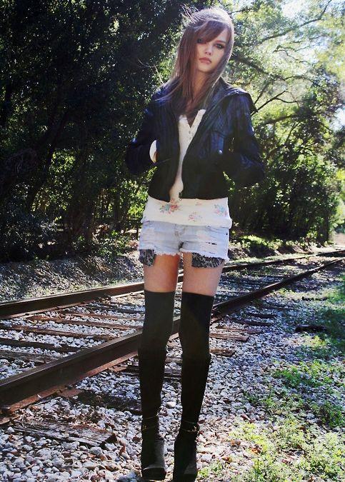 Dakota Rose'un hayranları, Çin, Japonya, Kore ve Rusya başta olmak üzere dünyanın dört bir yanından genç kıza mesaj gönderiyor.