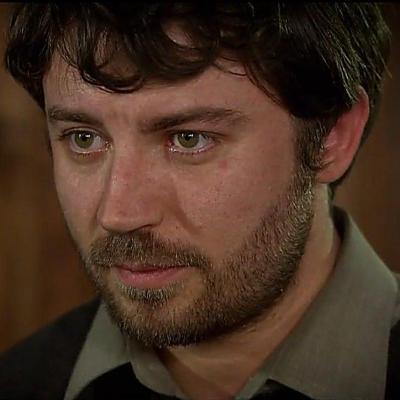 Genç aktörün gözleri bazen yeşile dönüyor.