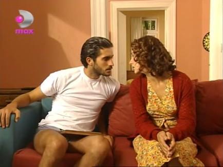Cumbul bu dizide Mehmet Ali Alabora ile oynamıştı.