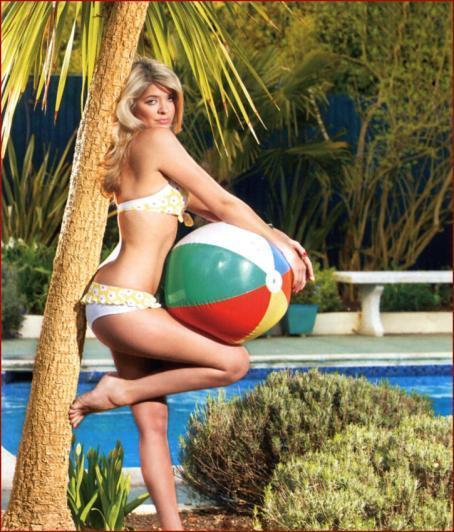 Holly Willoughby - 3