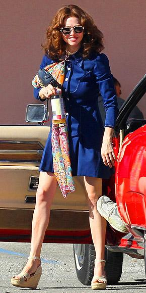 Amanda Seyfried Linda Lovelace'in hayatını canlandırdığı Lovelace filminin setinde.