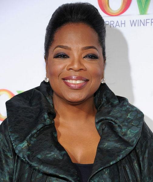 """Oprah Winfrey  Ünlü sunucunun dünyadaki en büyük korkusu çiğnenmiş sakız görmek. Küçükken büyükannesinin dolaplarda sakladığı çiğnenmiş sakızlarından çok korktuğunu belirten Winfrey """"sakız korkusu""""yla ilgili şunları söyledi: """"O sakızlara dokunmaya çok korkardım. Bir keresinde bir arkadaşım sakızını çıkartıp tabağına yapıştırdı. O gittikten sonar tabağı bile attım."""""""
