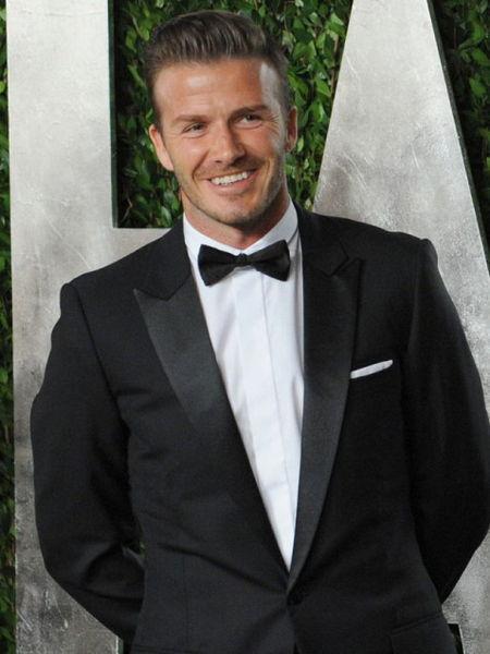David Beckham  Eşi Victoria, yetenekli futbolcunun evde dağınıklığa dayanamadığını, ortalığın düzenli olmamasının onu çok korkuttuğunu söyledi. Ünlü futbolcu salonda içi boş 3 içecek kutusu bulduysa bunlardan sadece 1 tanesini çöpe atıyor. Bunun nedeni ise çift rakam takınıtısı olması.