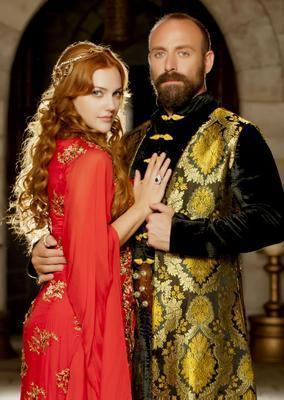 Halit Ergenç Uzerli'nin rol arkadaşı Ergenç'in boyu 1.88 cm.