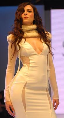 Selma Ergeç  Aynı zamanda manken olan Selma Ergeç'in boyu 1.76 cm.