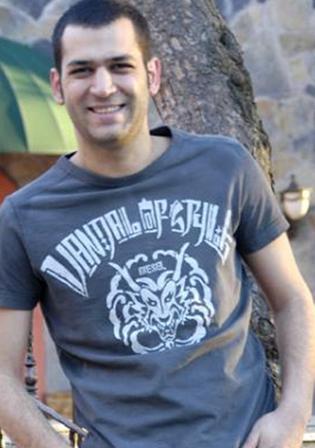 Murat Yıldırım  Yakışıklı aktör 1. 77 boyunda.