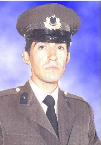 Asker Barış Manço.