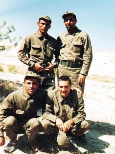 Kısa dönem asker olan Mehmet Ali Erbil, asker ocağında da mesleğinden uzak kalmadı. Burdur Orduevi'nde sahneye çıktı.
